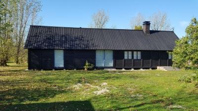 Tillbygget är 9,65 m, ursprungliga huset från 1974  är också 9,65, alltså en fördubbling av längden.