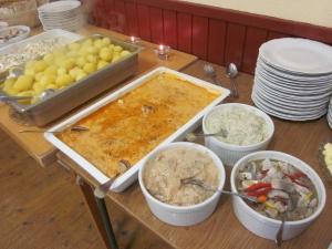 Härlig jubileumslunch från Änggårde Catering i Rone