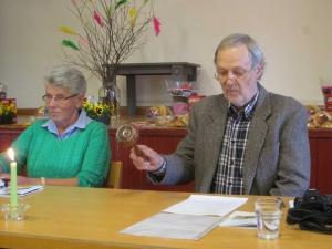 Radarparet Birgitta Olsson och Stefan Haase leder årsmötesförhandlingarna